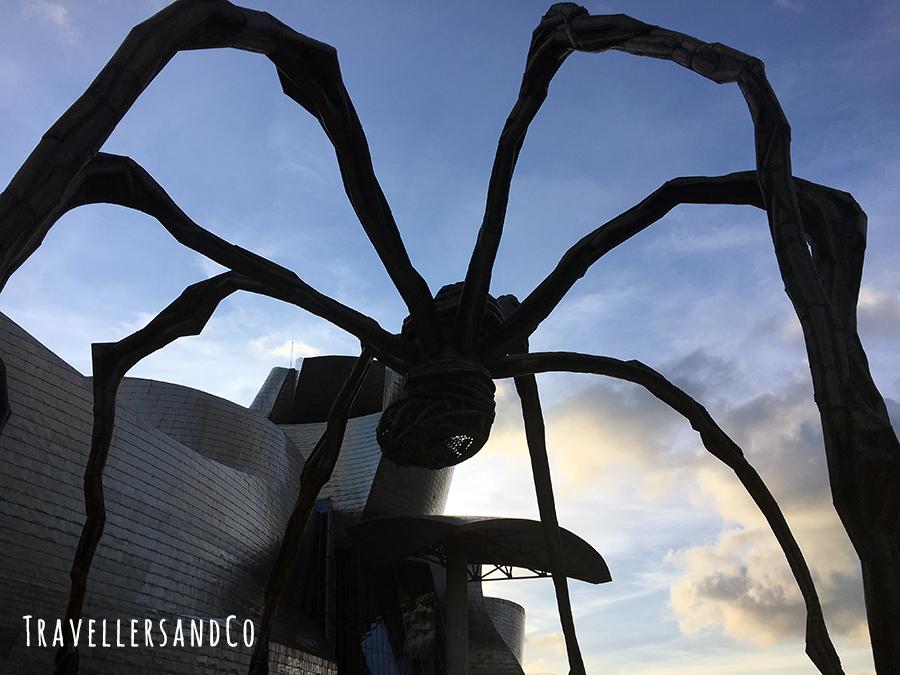 Araña MAMA-Museo Guggenheim-TravellersandCo.jpg