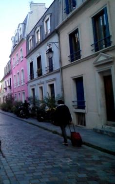 Rue Cremieux. París by TravellersandCo