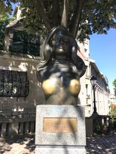 Tributo A Dalida en Montmatre. París by TravellersandCo
