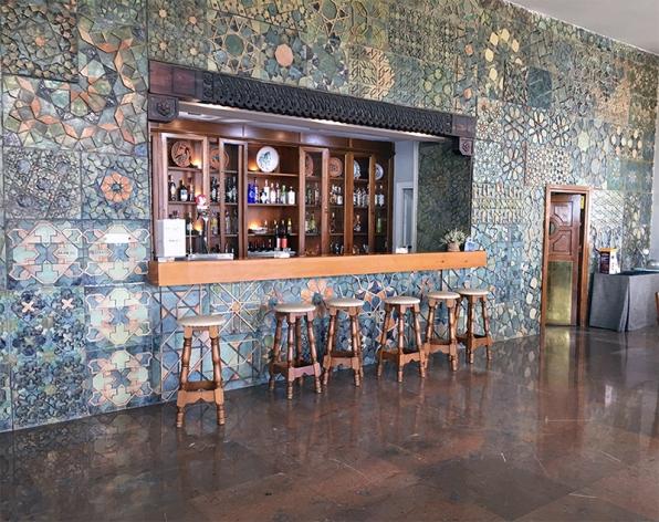 Bar del Parador de Córdoba by TravllersandCo