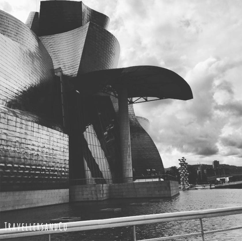 Bilbao-museo-guggenheim-by-travellersandco