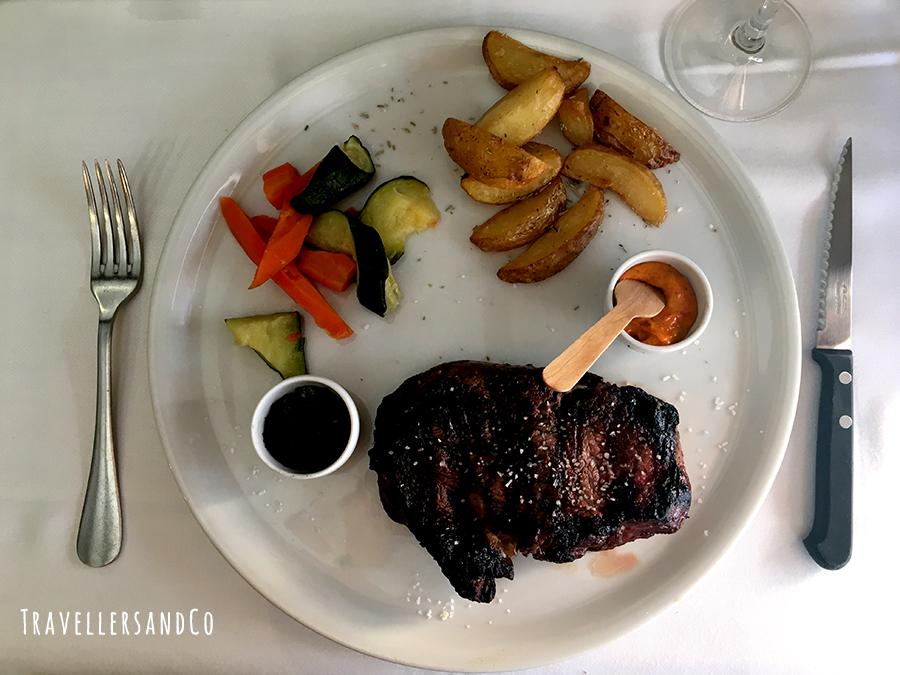 Entrecote arentino Restaurante Palangreros by TravellersandCo