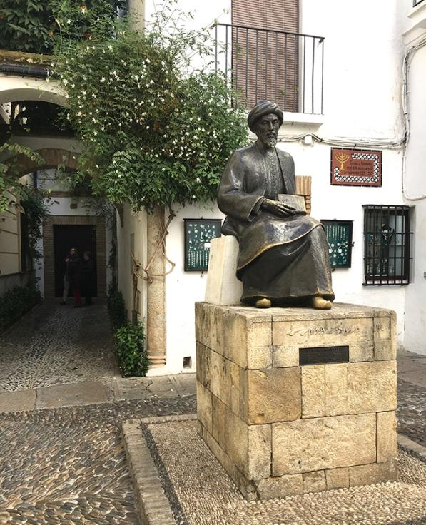 Estatua de Maimónides de Córdoba by TravellersandCo