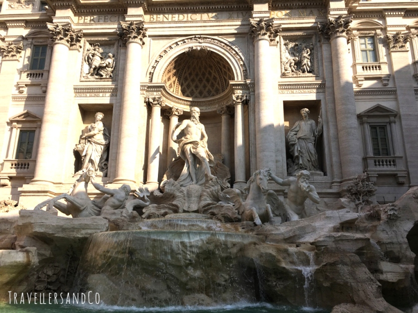 Fontana de Trevi-TravellersandCo copia.jpg