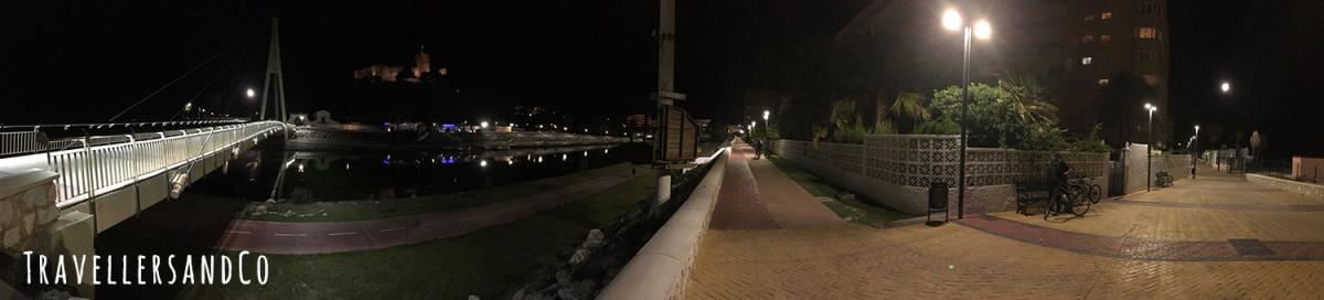 Panorámica de noche de Fuengirola by TravellersandCo.jpg