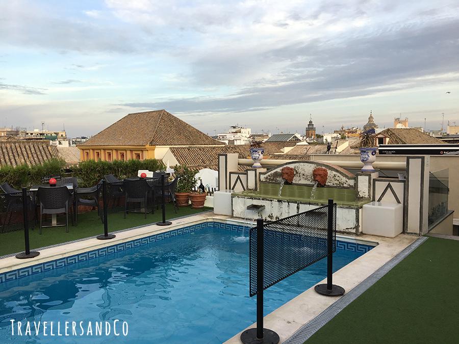 Piscina Hotel Doña Maria by travellersandCo copia.jpg