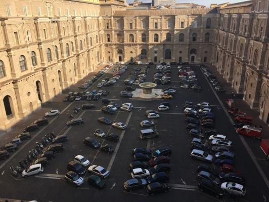 Vistas del aparcamiento del Vaticano by TravellersandCo
