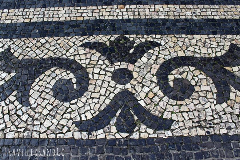 Calles adoquinadas de Lisboa por TravellersandCo.jpg