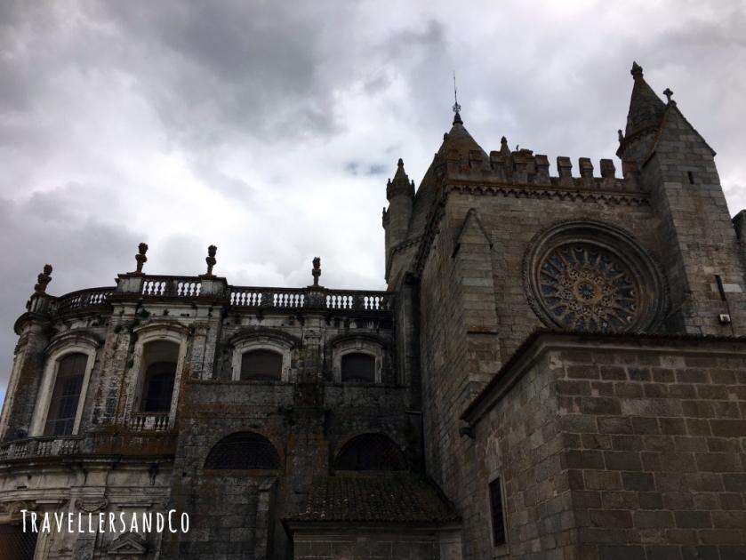 Catedral de Evora by TravellersandCo.jpg