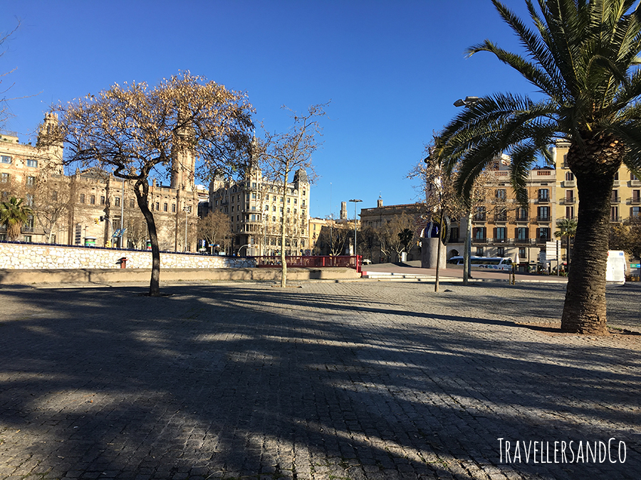 Paseo de Colón Barcelona by TravellersandCo.jpg