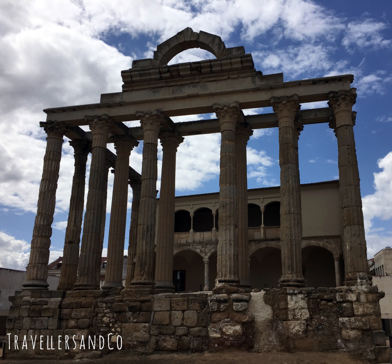 Templo de Diana by TravellersandCo.jpg